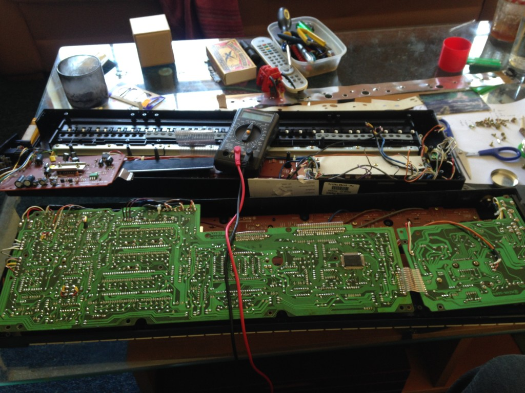 Inside the Casiotone MT-400V